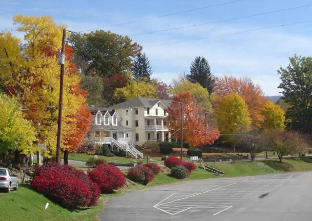 Photo - Fall Color at Lake Junaluska