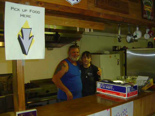 Photo - Kimberly and David Dial at the Shady Valley Country Store