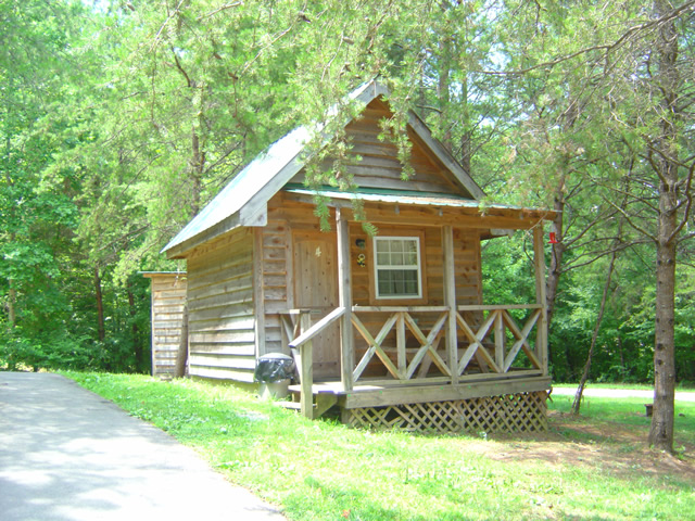 Photo - one of the cabins at the Punkin Cneter Motorcycle Resort