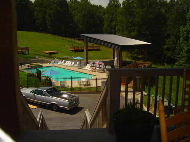 Photo - the pool and stage at the Lodge at Copperhead