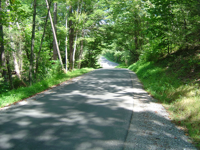 Photo - the Cades Cove Loop Road in Great Smoky Mountains National Park