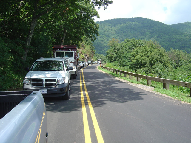 Photo - line of cars on the Blue Ridge Parkway