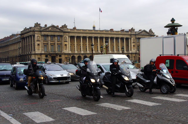 Photo - motorcycles in Paris