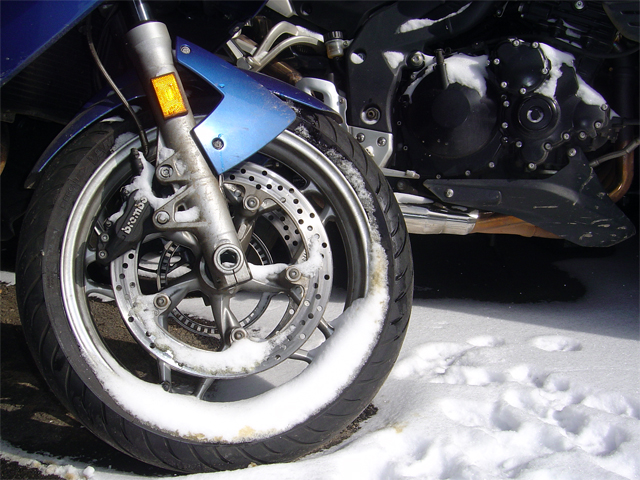 Photo - Snow on motorcycles