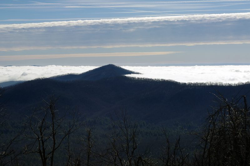 Photo-view-of-mountains-in-clouds-from-Blue-Ridge-Parkway