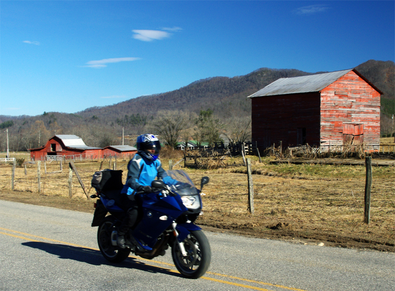 Photo-Jackie-rides-her-motorcycle-near-Great-Smoky-Mountains-National-Park