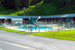 photo-pool-gear-head-inn