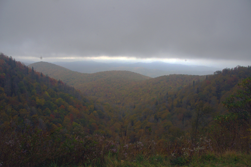 Photo-clouds-move-in-on-the-Blue-ridge-Parkway
