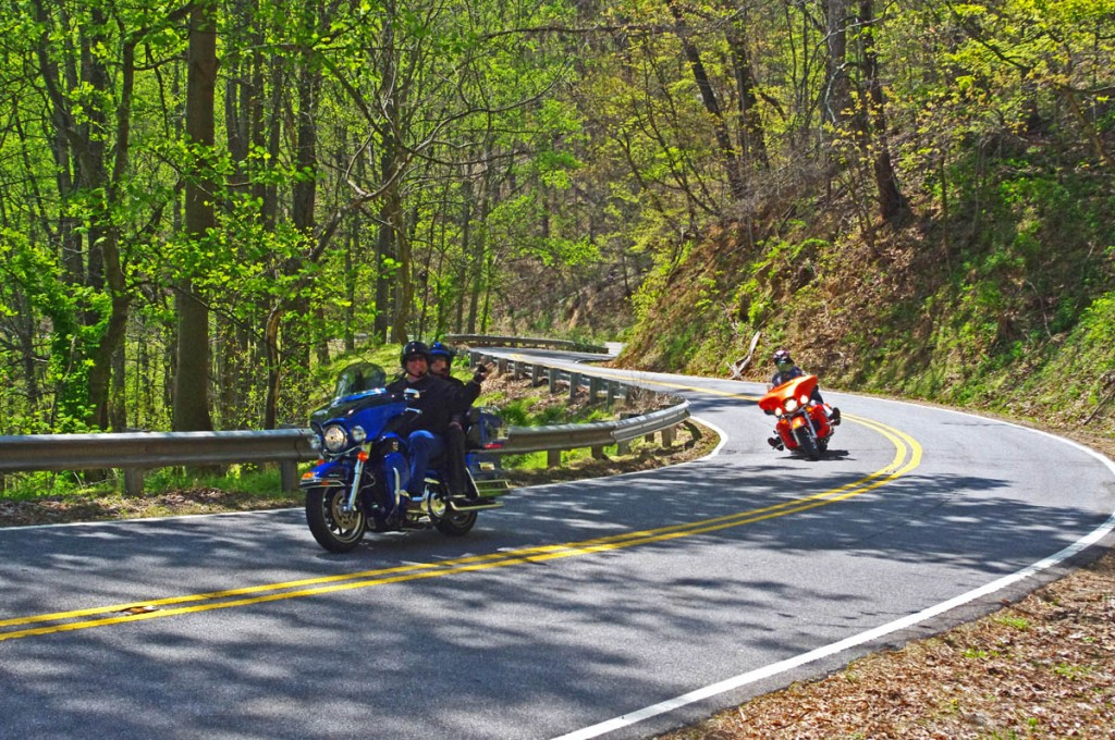 photo-motorcycles-on-nc-63