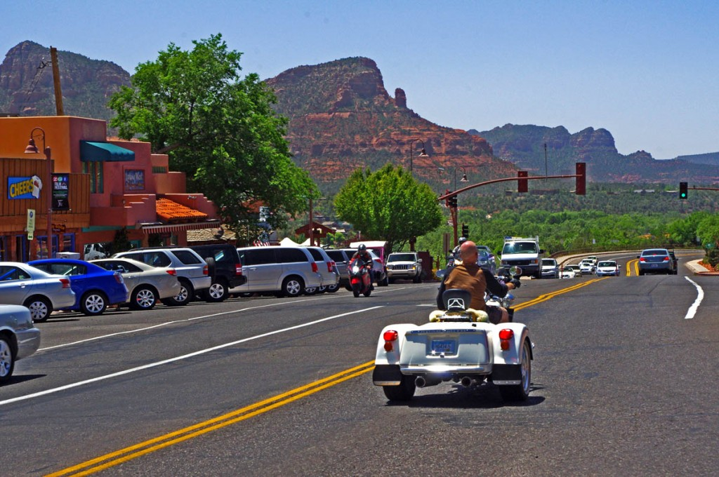 Motorcycle Rides in Arizona: Sedona, Scottsdale area - Looking west on Route 89A from Sedona