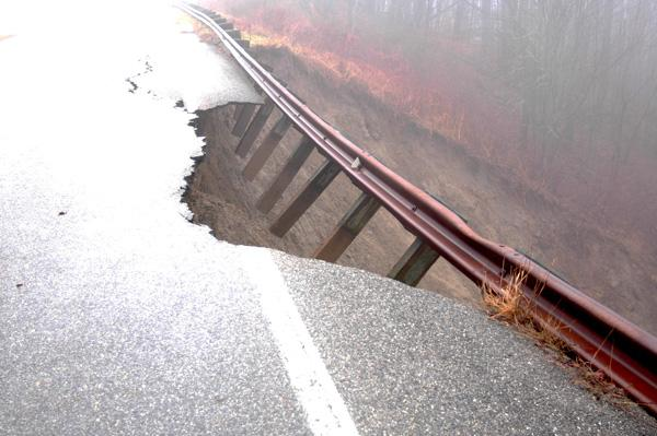 Photo Source - Graham Star - Slide on Cherohala Skyway takes out 1 lane